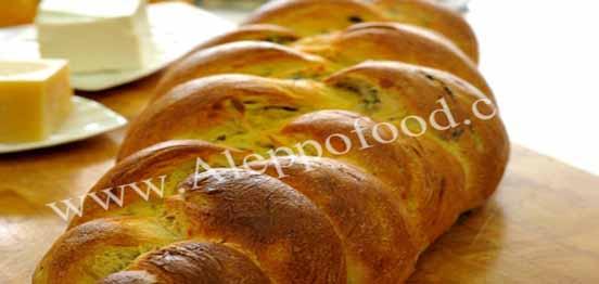 خبز الزيتون المضفر